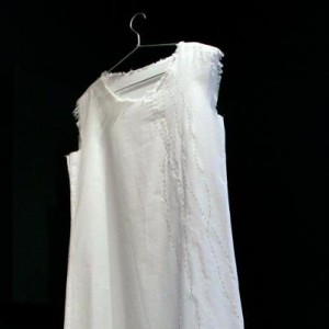 picture of jewellery dress